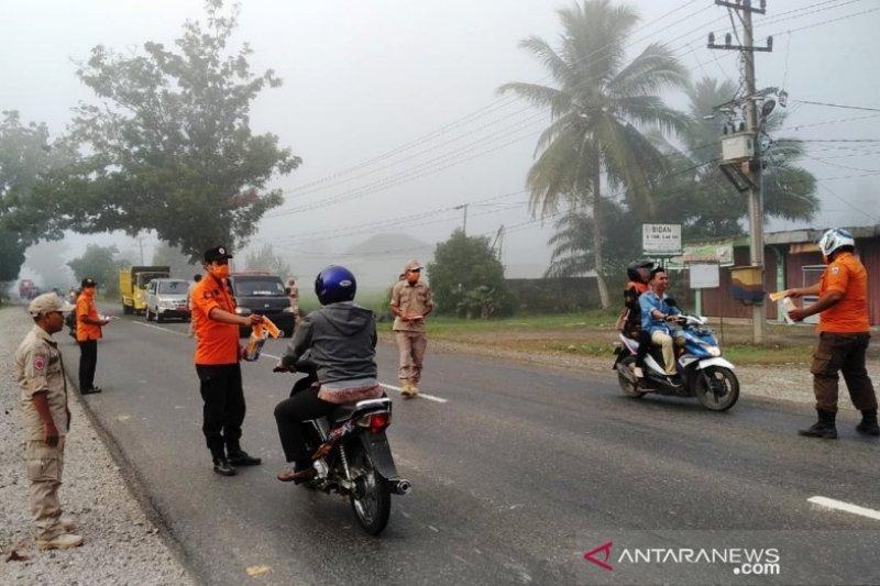 BPBD Dharmasraya bagikan masker gratis