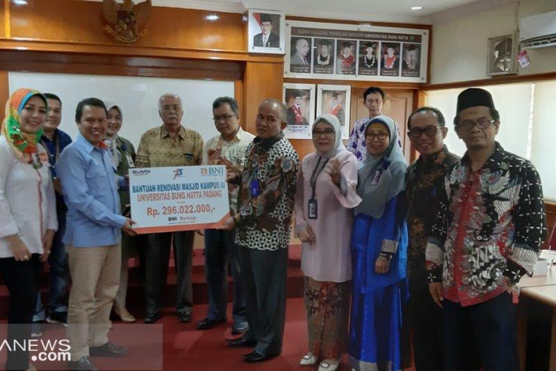 BNI salurkan CSR untuk renovasi masjid kampus III UBH