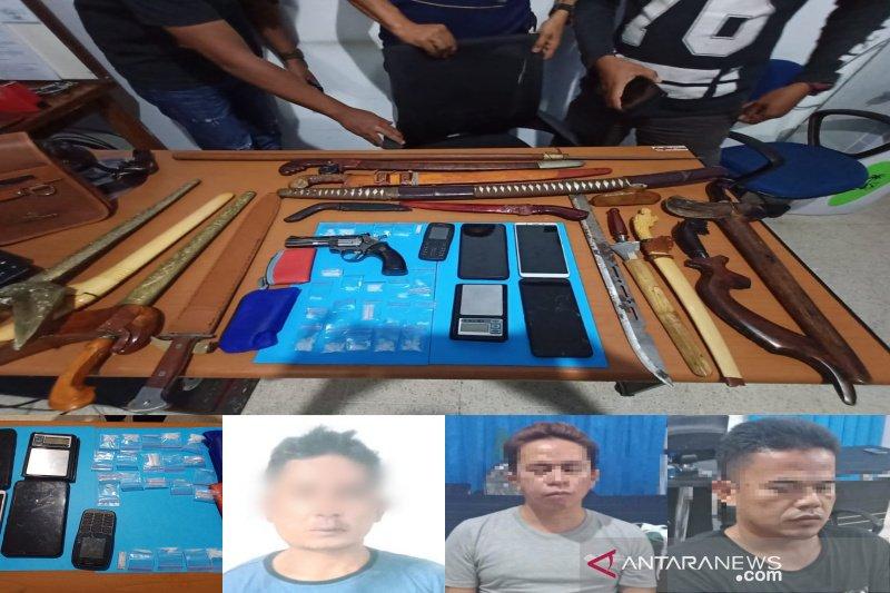 Pengedar narkoba nekat  serang anggota BNNP dengan pisau
