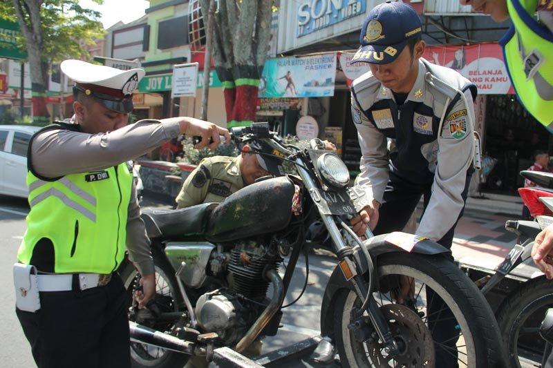 Tim gabungan Pemkot Magelang intensif menggelar patroli tertib lalu lintas