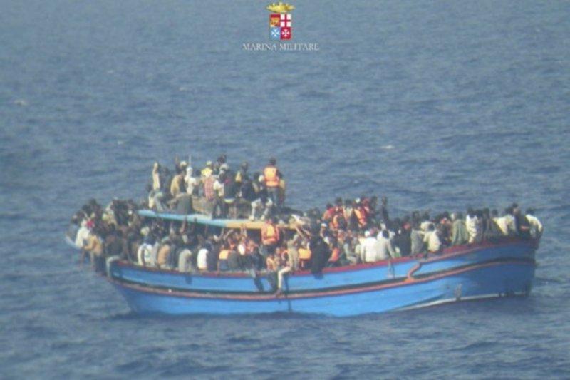 55 jasad ditemukan dari kapal yang terbalik