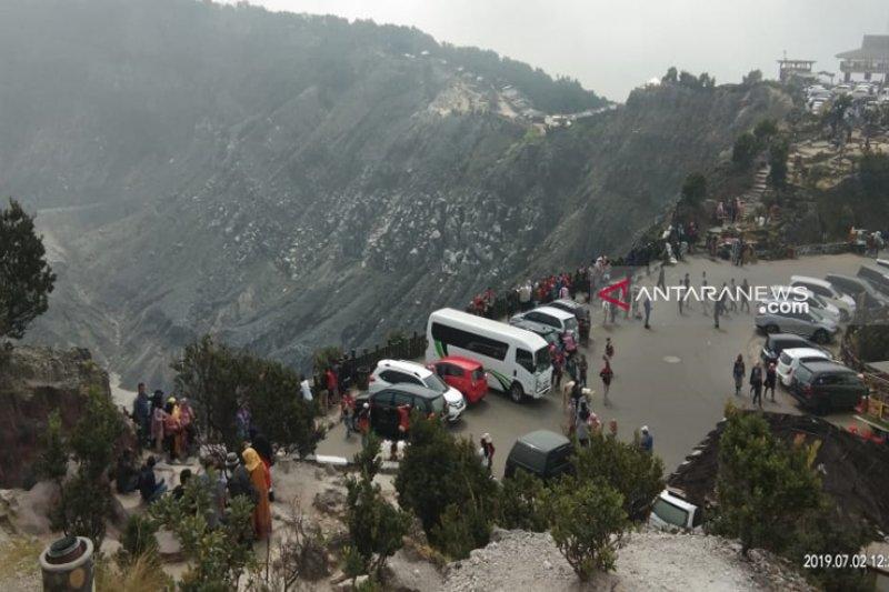 Objek wisata kawasan Lembang tetap buka pasca-erupsi
