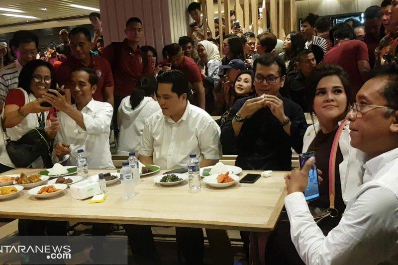 Pengamat Nilai Jokowi akan tepati janji pilih menteri muda