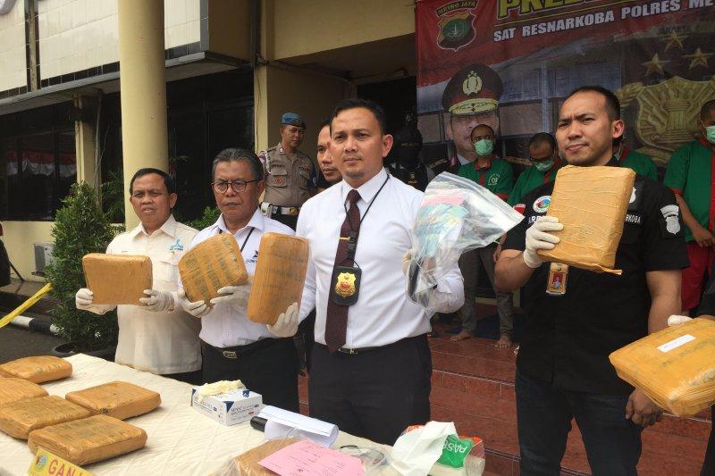 Pores Jakarta Barat tangkap bandar narkoba jaringan kampus