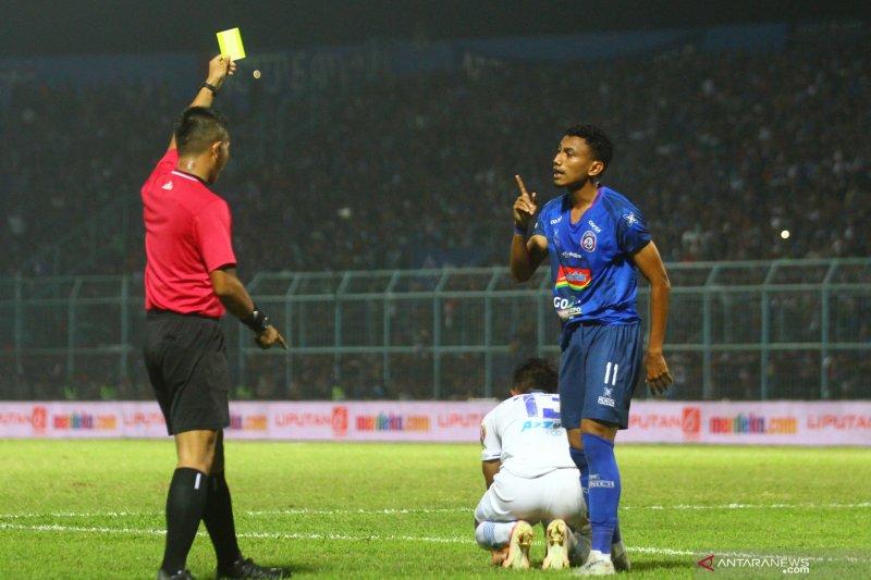 Arema FC kalahkan Persib Bandung 5-1