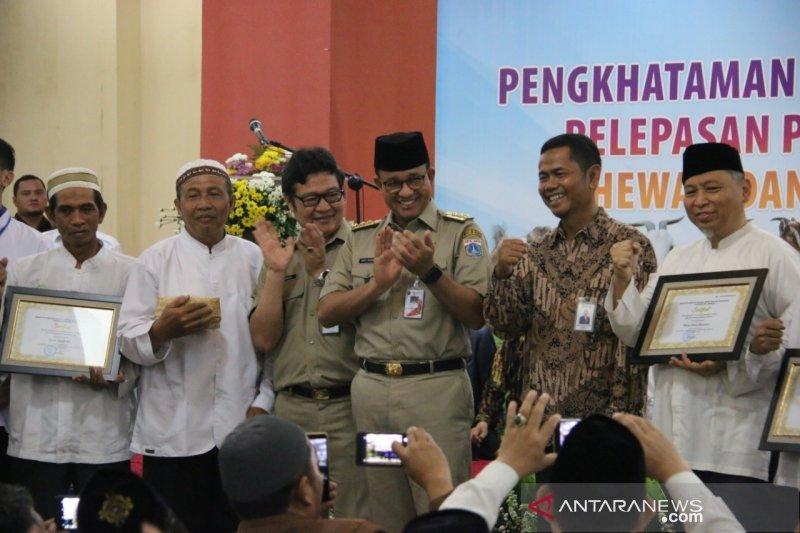 Gubernur Anies berikan sertifikat ke 1.110 juru sembelih halal