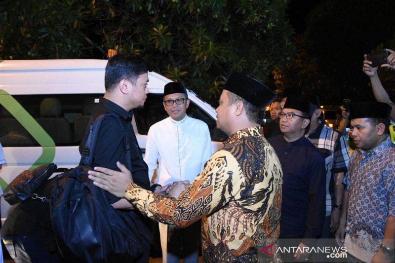 Gubernur dan Wagub Sulsel sambut kedatangan jenazah Ichsan Yasin Limpo