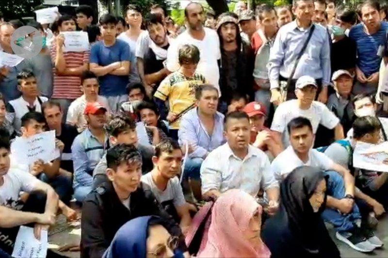Ratusan pengungsi Afghanistan duduki Jalan Kebon Sirih