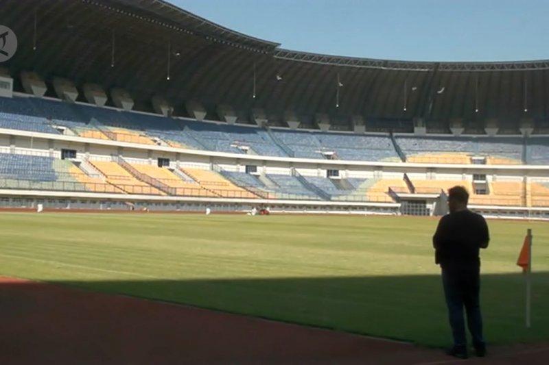 Walikota Bandung tinjau kerusakan Stadion GBLA