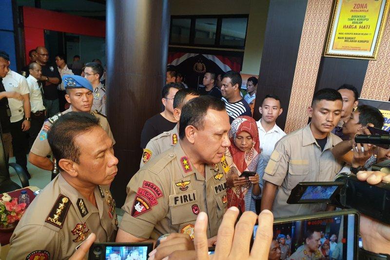 Kapolda Sumsel kunjungi anggota polisi korban penyerangan massa di Empat Lawang