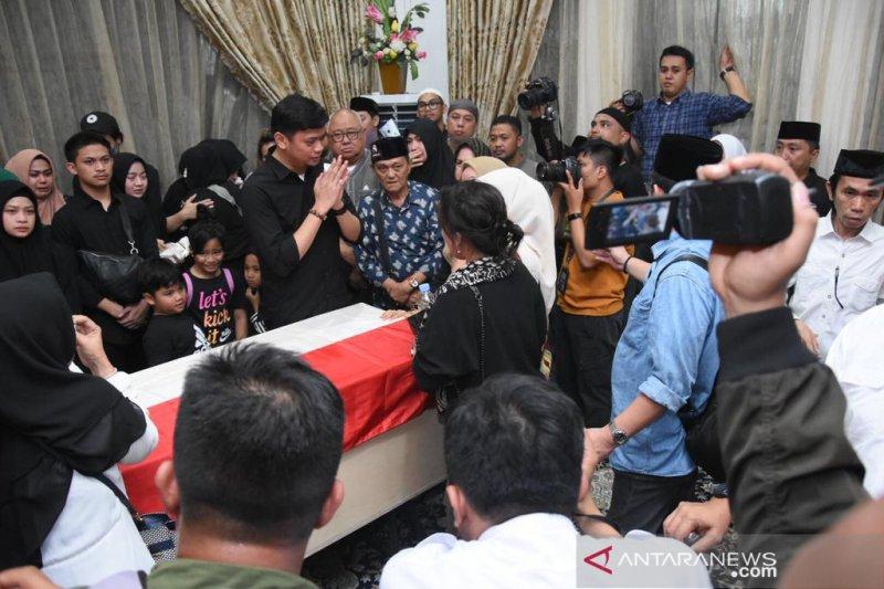 Anggota DPR hingga keturunan Raja Malaysia melayat ke IYL