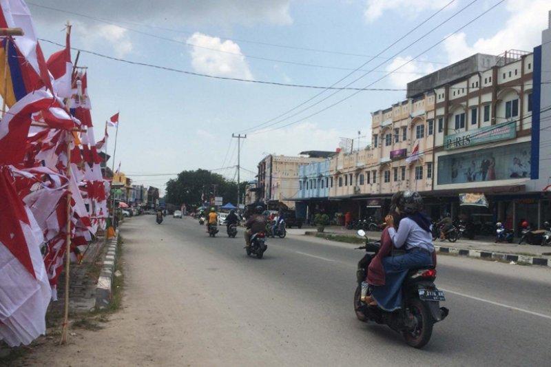 Pemkab Karimun imbau warga kibar bendera sebulan penuh