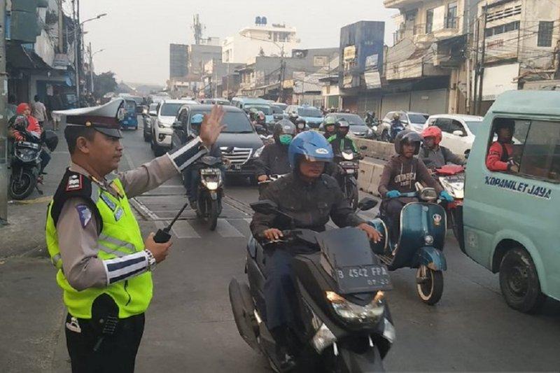 Arus lalin Jakarta cenderung padat, operasi tilang di Jakut