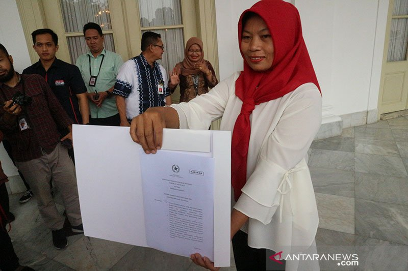 Baiq Nuril bertemu dengan Presiden Jokowi