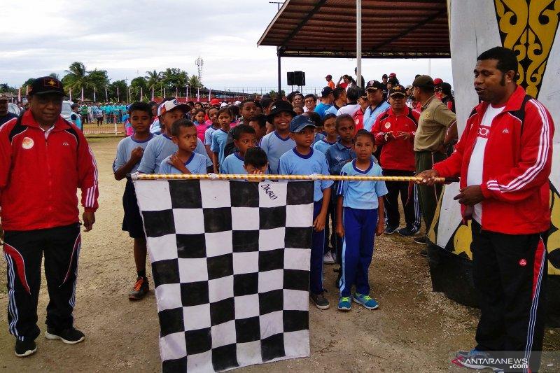 Ribuan warga Biak Numfor meriahkan pembukaan kegiatan lomba Proklamasi  RI