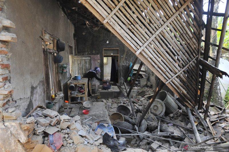 Warga Lebak yang meninggal dunia pasca-gempa bertambah satu