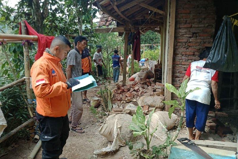 Warga terdampak gempa Banten kembali ke rumah