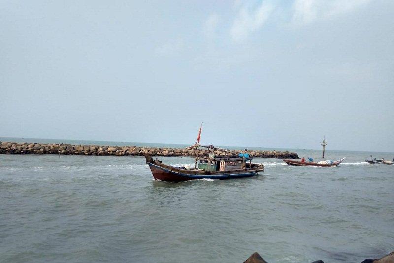 Pasca-gempa Selat Sunda, nelayan Lampung Timur tetap melaut