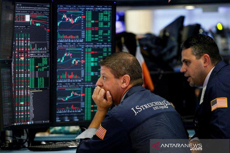 Saham-saham Wall Street ditutup bervariasi di tengah data konsumen AS