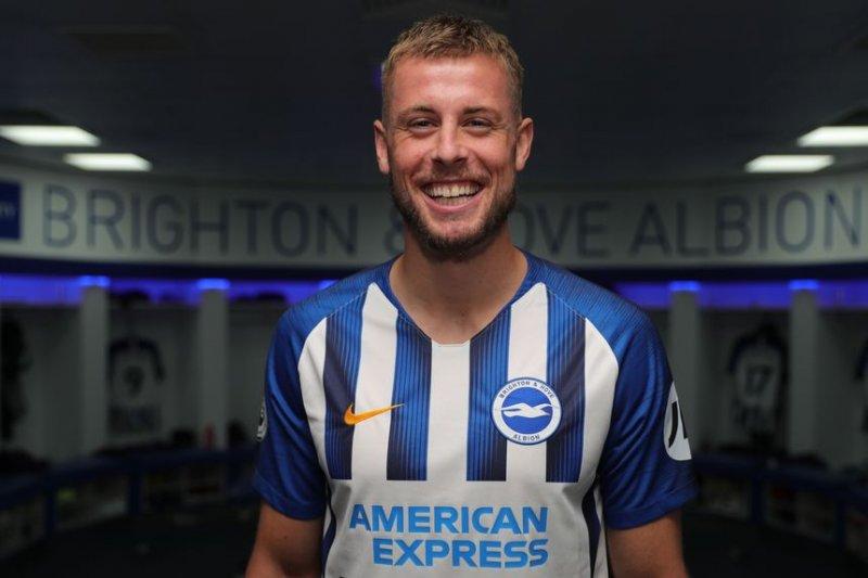 Brighton kontrak Webster dari Bristol