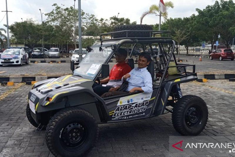 Tim uji coba mobil listrik ITS singgah di Kota Mataram