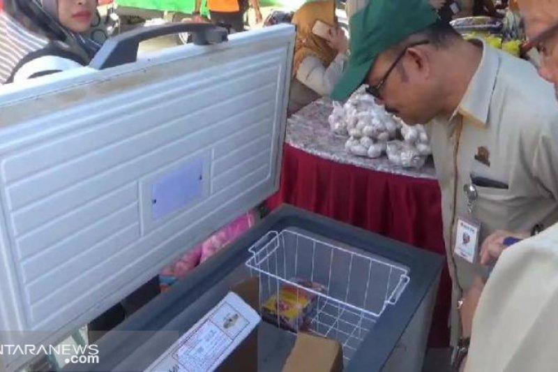 Pasar murah Pemrov Sulteng jual daging kerbau beku