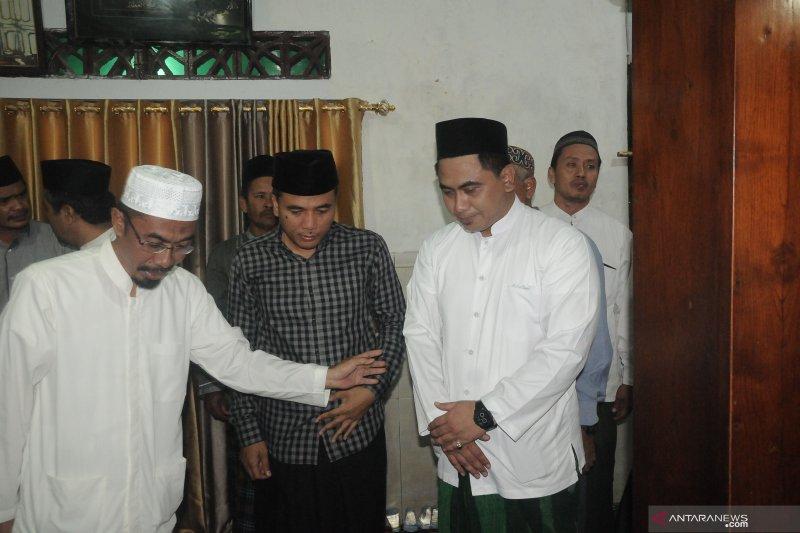 Putra Mbah Moen ingin pertemuan dengan Habib Rizieq tidak dipolitisasi