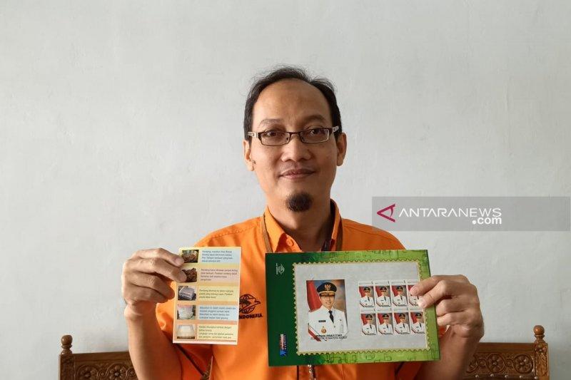 Ada prangko yang dapat memuat foto pribadi di Kantor Pos Padang