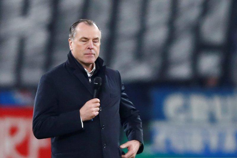 Kasus rasialisme, Presiden Schalke mengundurkan diri