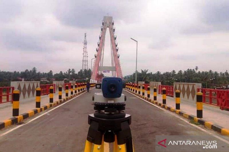 Uji beban jembatan kabel stayed ikon Dharmasraya