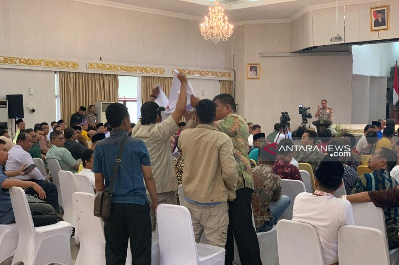 Polda Riau pulangkan mahasiswa yang protes karhutla