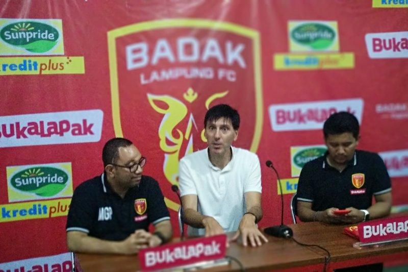 Pelatih Perseru Badak Lampung berharap dukungan masyarakat menangkan pertandingan