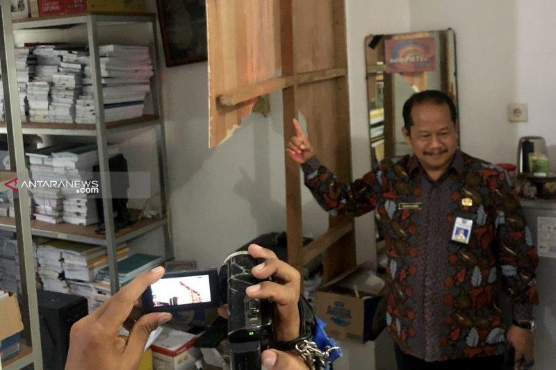 Perampok bersenjata satroni Kantor Dinas Kesehatan Kota Malang