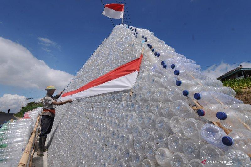Air dalam botol plastik yang didinginkan sebabkan kanker, ini penjelasannya