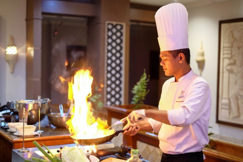 "Grand Inna Malioboro menghadirkan buffet dinner ""Gebyar Merah Putih"""