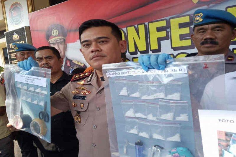 Polresta Cirebon bekuk 4 pengedar narkoba jaringan lapas