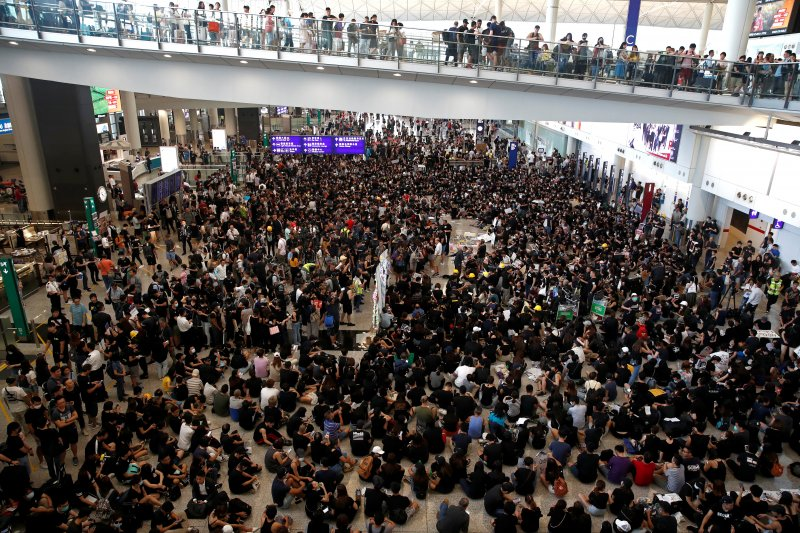 Bandara Hong Kong perketat keamanan untuk antisipasi gelombang protes massa aksi