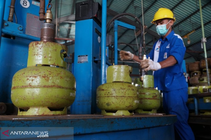 Warga di Kabupaten Maros kesulitan dapatkan gas elpiji 3 kg