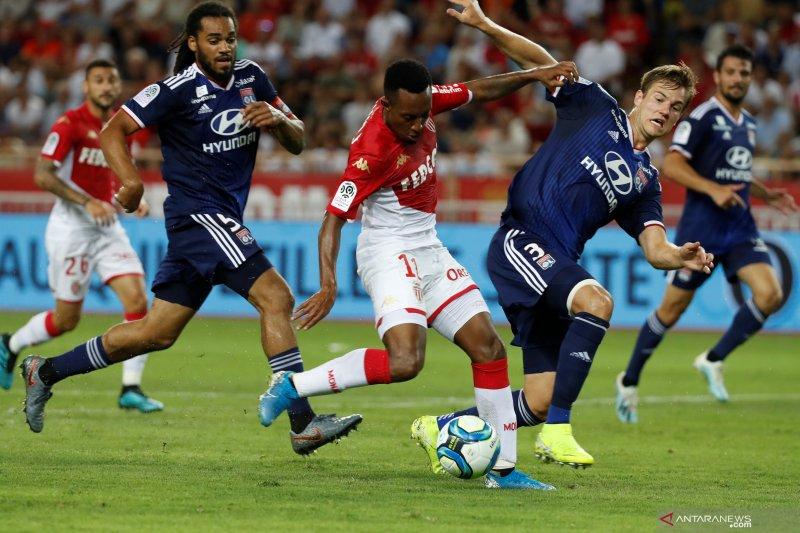 Lyon tundukkan Monaco 3-0 pada pembukaan Ligue 1