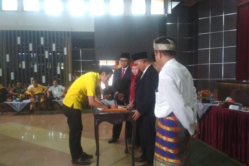 Sah, KPU Inhil tetapkan Caleg terpilih sebagai anggota DPRD