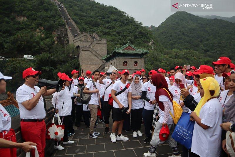 270 Warga Negara Indonesia peringati HUT RI di Tembok Besar China