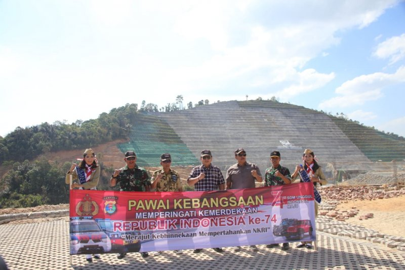 Gubernur Lampung lepas pawai kebangsaan peringati HUT RI di Pringsewu