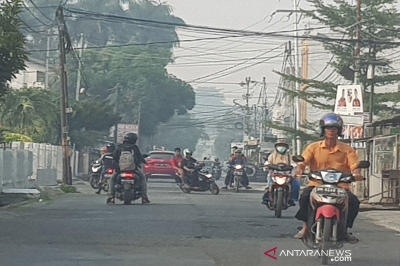Pekanbaru kembali diselimuti asap pekat, kualitas udara tidak sehat