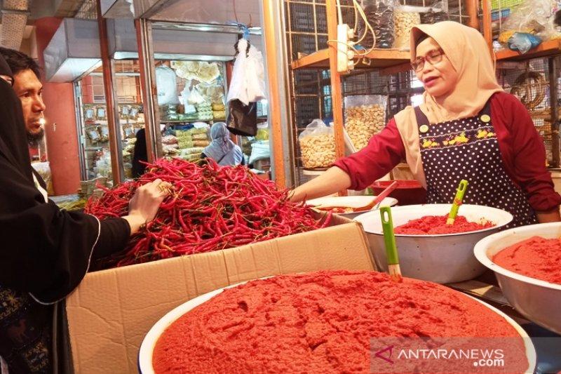 H-1 Idul Adha, harga cabai di Pasar Raya Padang naik