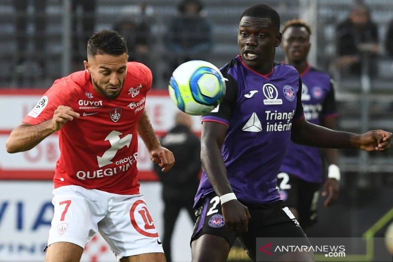 Gol terlambat batalkan kemenangan Brest