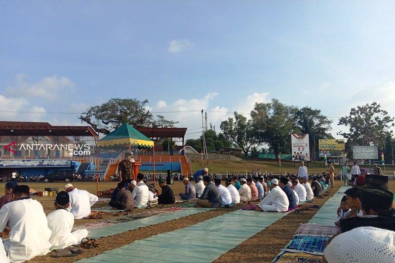 Shalat Idul Adha di Dabo diwarnai mati lampu