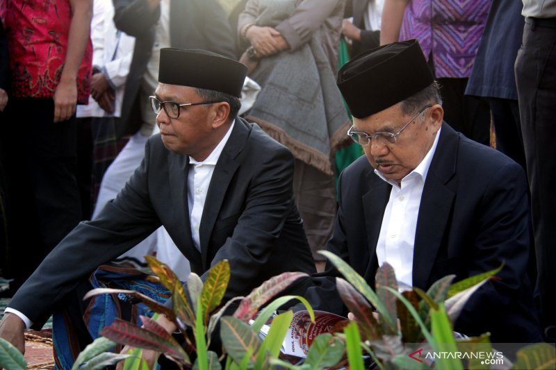 Wapres JK shalat Idul Adha di Makassar