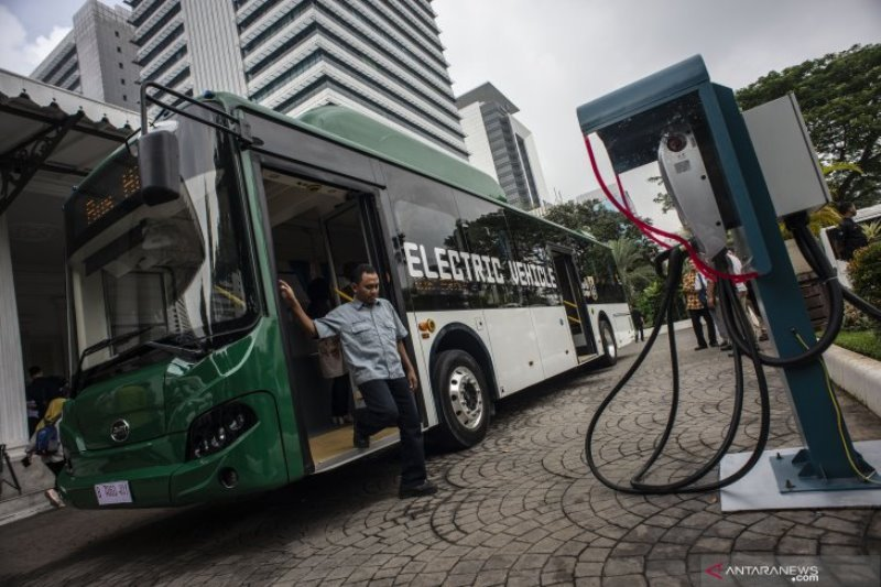 Menhub dorong pengembangan bus listrik