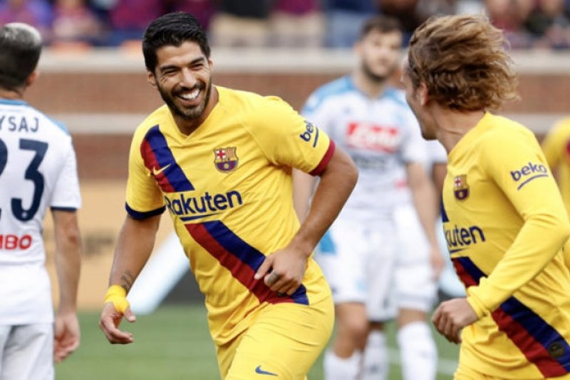Griezmann cetak gol perdana, Barca gilas Napoli