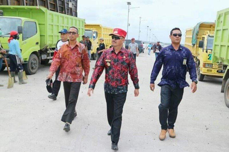 Bupati Seruyan berupaya tingkatkan pembangunan jalan menuju pelabuhan